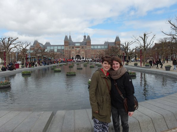"""Symmes and Saskia, the exchange student her family hosted during her senior year in high school, in front of the famous """"I amsterdam"""" sculpture in Amsterdam."""