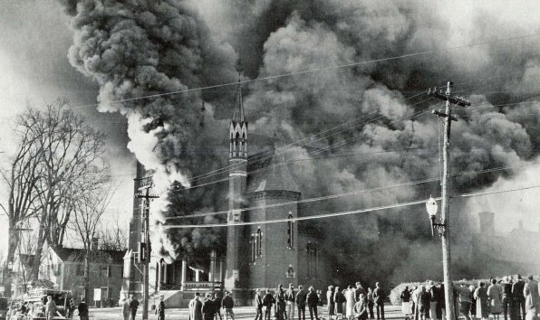 The 1935 fire at 1st Congregational Church brought out whole neighborhoods of folks. Look closely, and you might even see some Insider readers in the crowd!