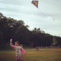 Build a kite at the Discovery Center