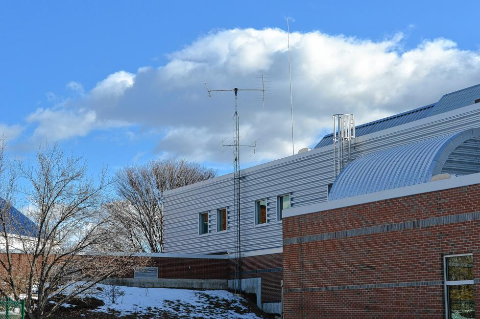 The antenna set up outside the Discovery Center. (TIM GOODWIN / Insider staff) -