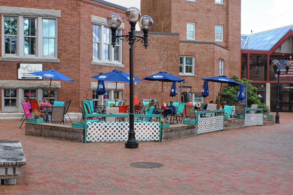 JON BODELL / Insider staffThe outdoor patio at Tandy's is open for business.