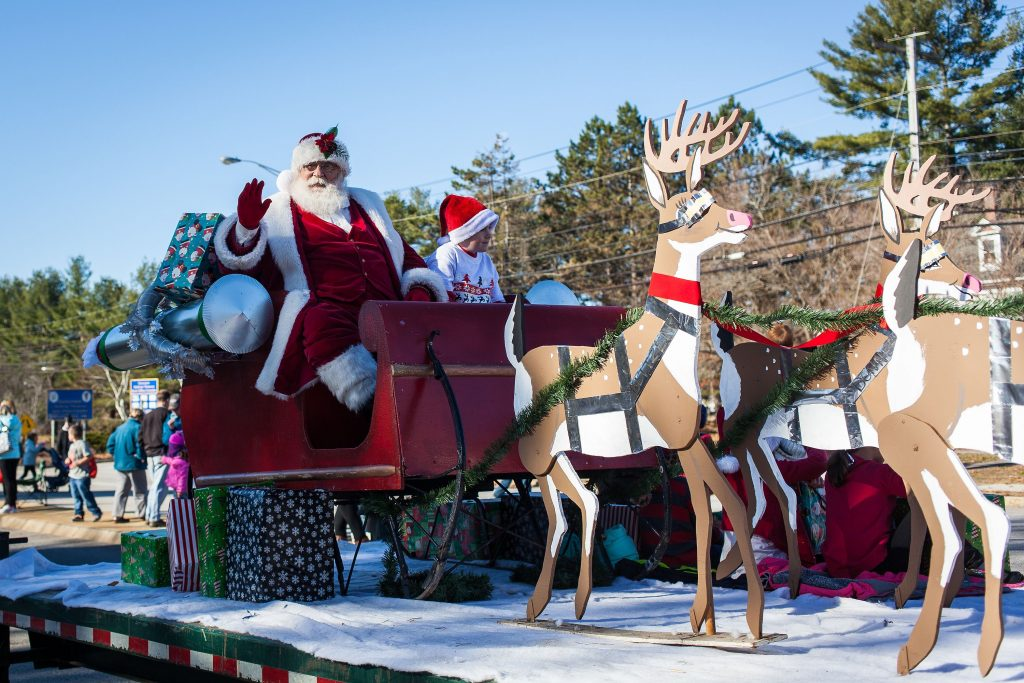 The Stove Barn Santa Claus float is seen in the annual Concord Christmas parade on the Heights on Saturday, Nov. 19, 2016. (ELIZABETH FRANTZ / Monitor staff) ELIZABETH FRANTZ
