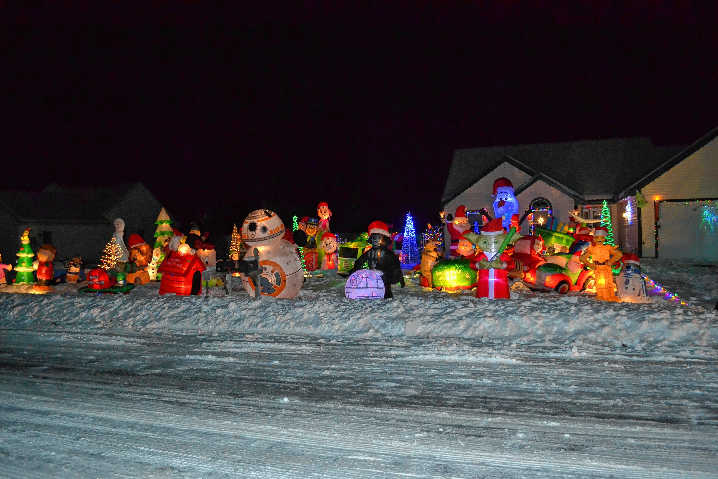 if inflatable holiday yard decorations are your thing you should take a drive down primrose