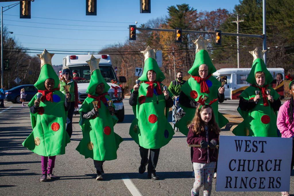 Scenes from the annual Concord Christmas parade on the Heights on Saturday, Nov. 19, 2016. (ELIZABETH FRANTZ / Monitor staff) ELIZABETH FRANTZ