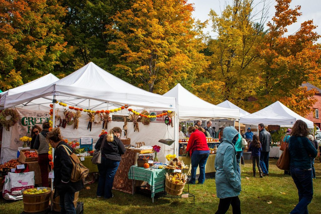 Visitors shop the crafts and farmers market at this year's Warner Fall Foliage Festival on Saturday, Oct. 10, 2015.   (ELIZABETH FRANTZ / Monitor staff) ELIZABETH FRANTZ