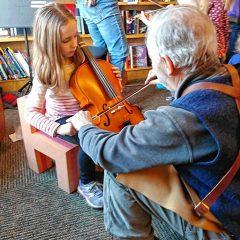Children meet 'The Violin Family'