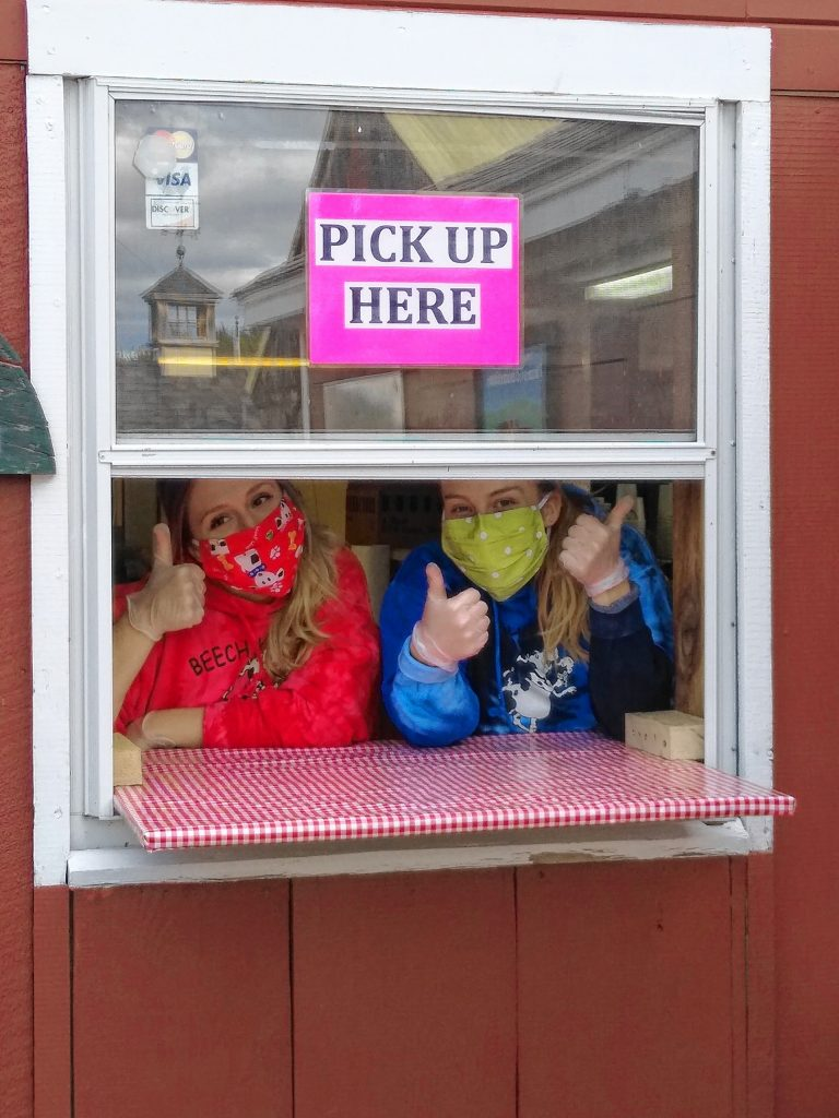 Beech Hill Farm scoopers are ready to take your orders.