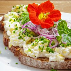Add edible flowers to your cooking