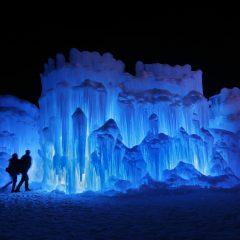 Frozen excursion: Ice Castles open